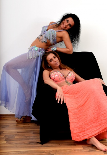 Екзотични танцьорки (снимка)